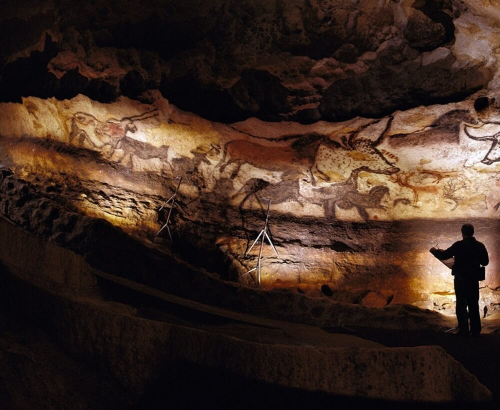 The Cave Art Paintings Of The Lascaux Cave Ca