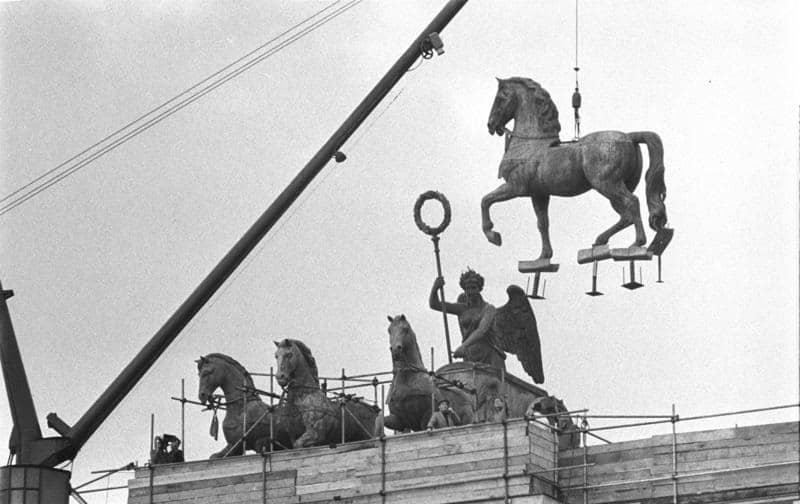brandenburger-tor-quadriga-1958